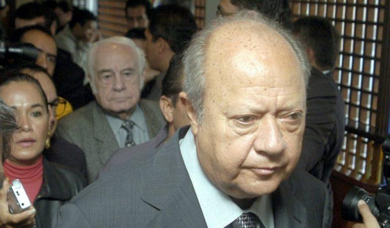 Carlos Romero Deschamps renuncia al Sindicato Petrolero; UIF interpone denuncia