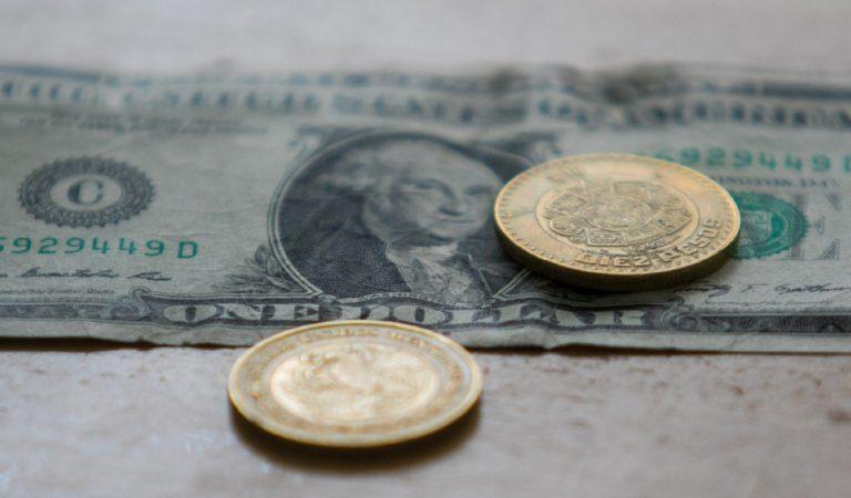 Peso mexicano inicia jornada con alza frente al dólar hoy 5 de diciembre