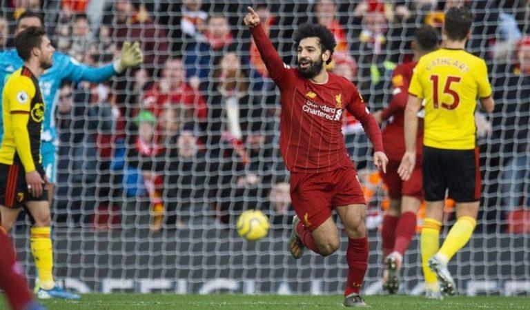 Doblete de Salah mantiene al Liverpool en la cima de la Premier