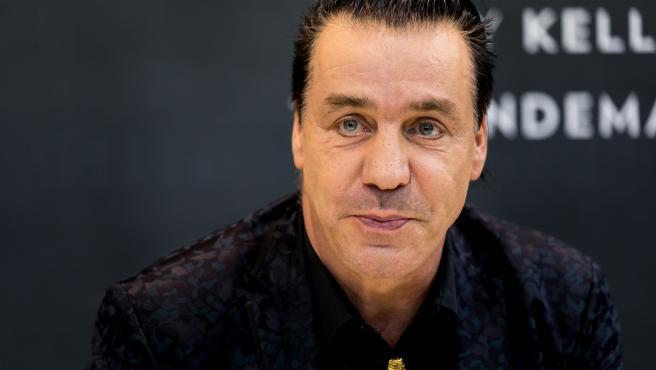 Till Lindemann de Rammstein, en cuidados intensivos por COVID-19