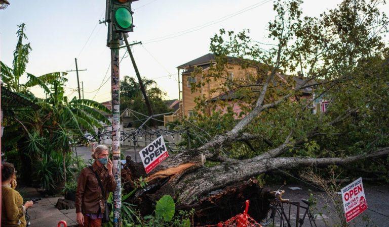 El sur de Estados Unidos se recupera tras el paso del huracán Zeta