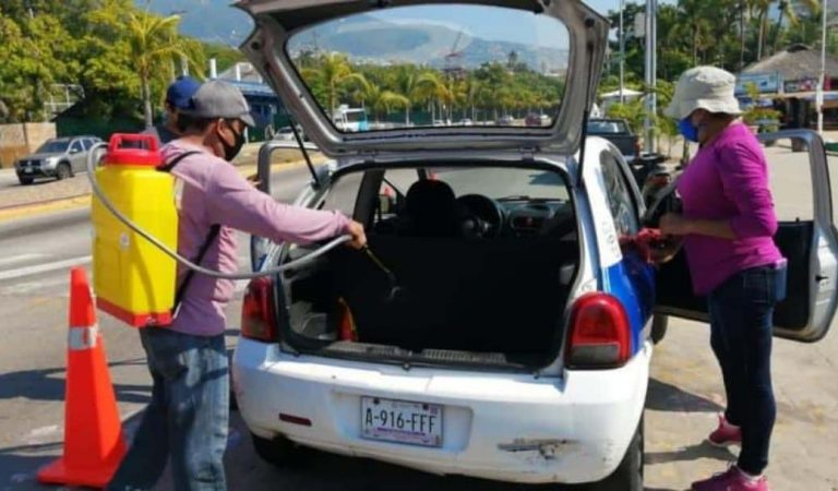 Transporte público en Acapulco se somete a desinfección