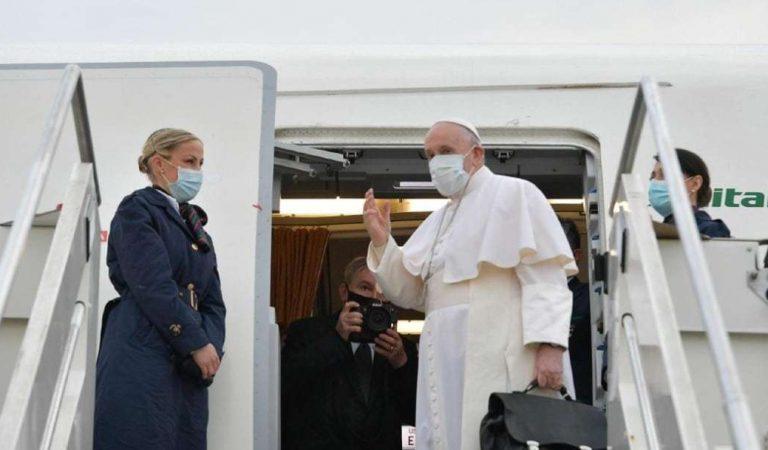 El papa Francisco comienza su difícil viaje a Irak