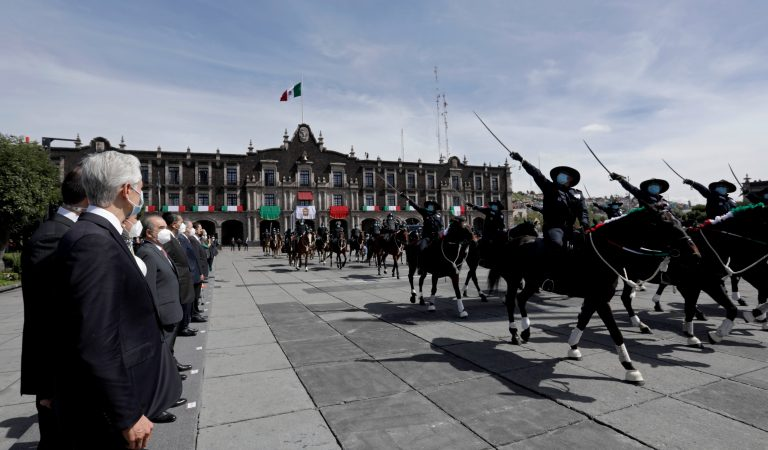 Encabeza Del Mazo conmemoración de la Independencia