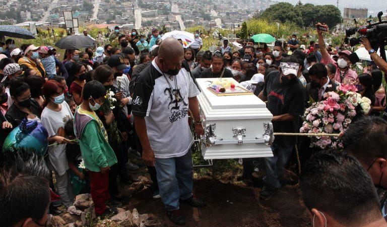 Realizan el sepelio de Mía, niña que quedó atrapada en los escombros del Chiquihuite